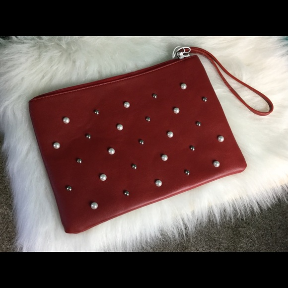 Accessories - Brand New Oversized Wrislet,